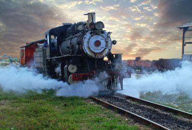 steam-train-1442795-638x434