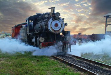 steam-train-1442795-638x434